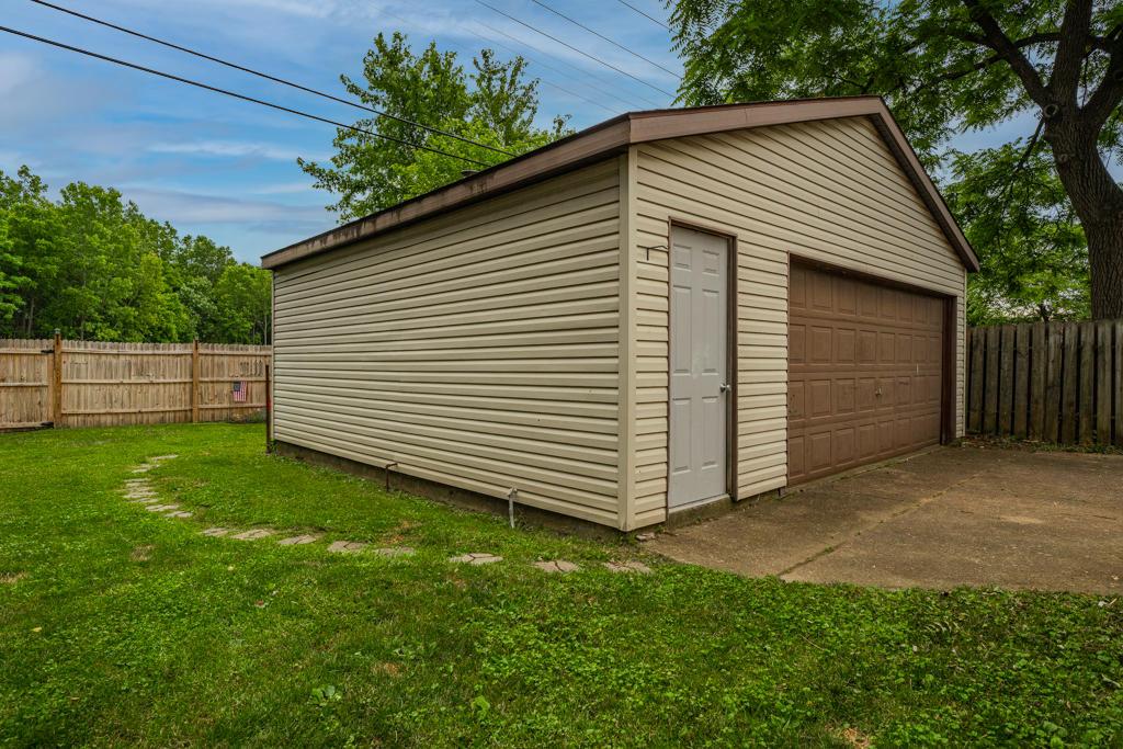2512 Acorn Drive Property Photo 24
