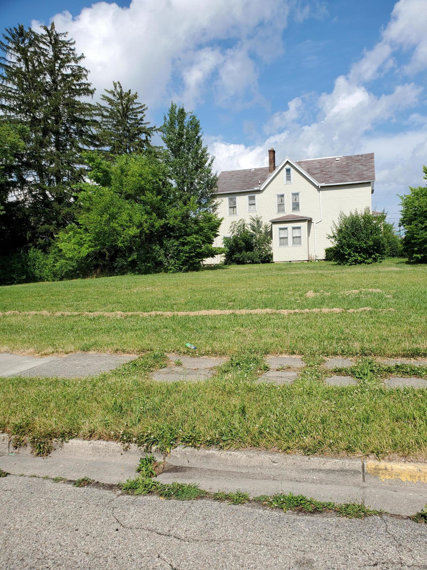 Demints Real Estate Listings Main Image