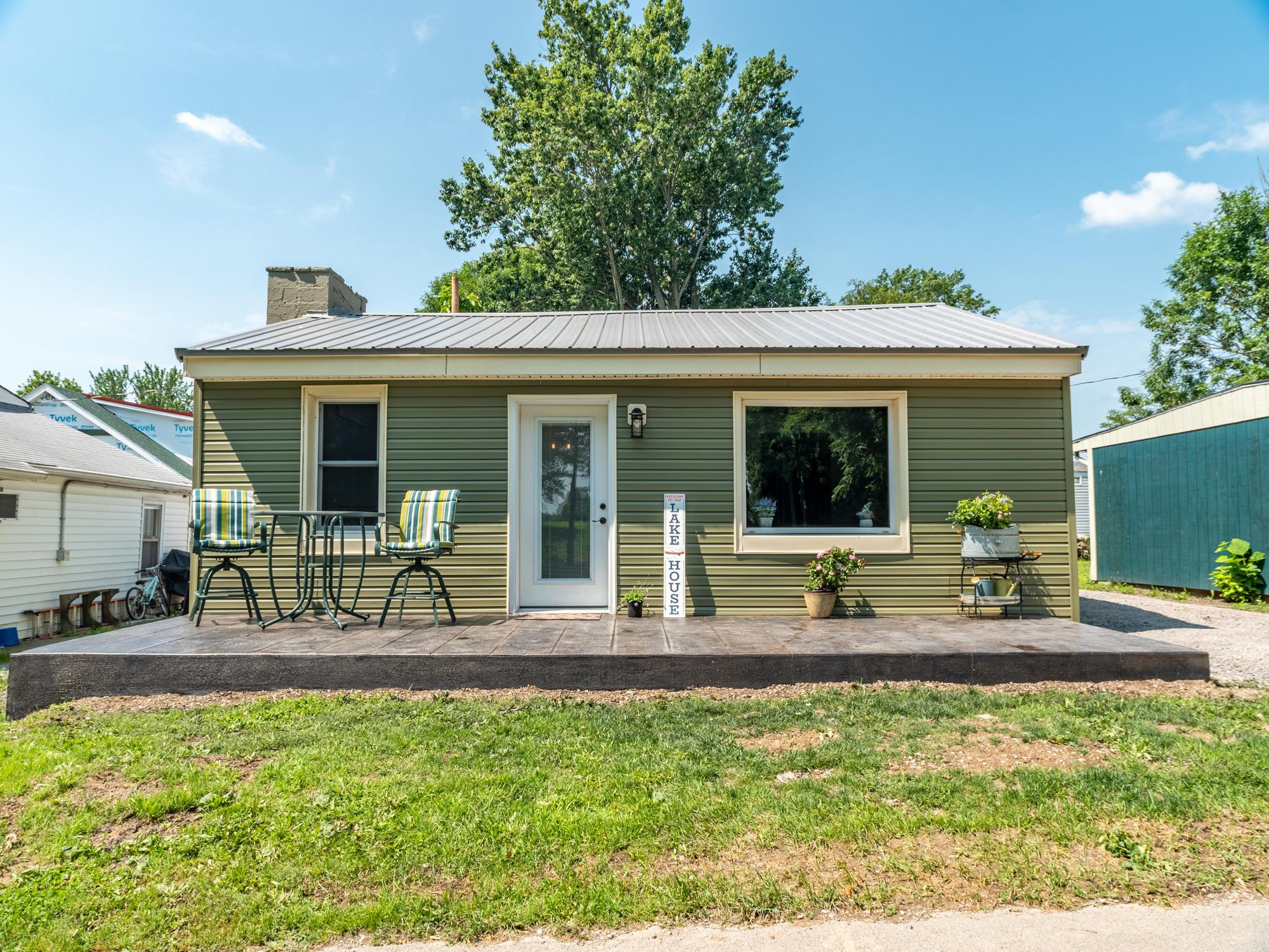 9631 Fairview Avenue Property Photo