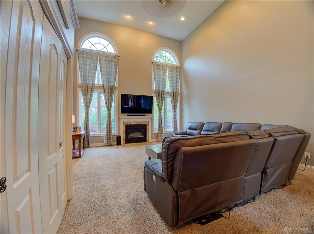 10621 Willow Brook Road Property Photo 11