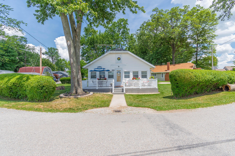 9540 Maple Lane Property Photo