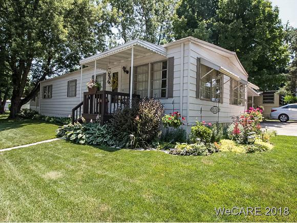 1104 Crestwood Drive Property Photo 1