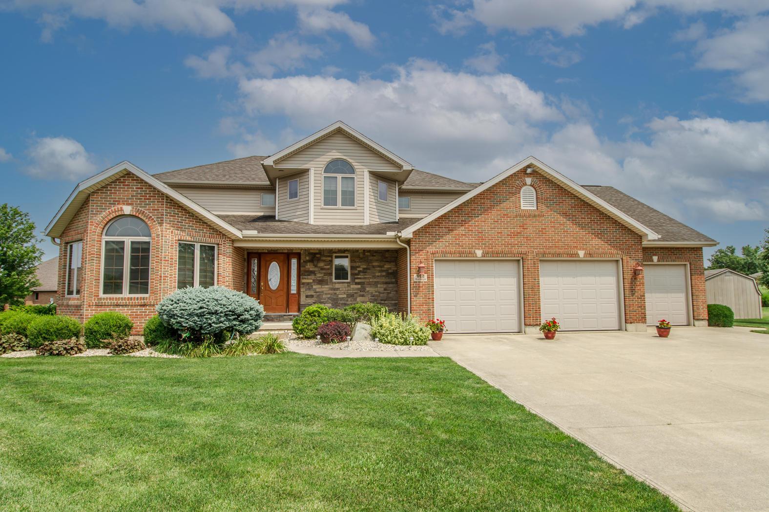 912 Buckeye Drive Property Photo 1