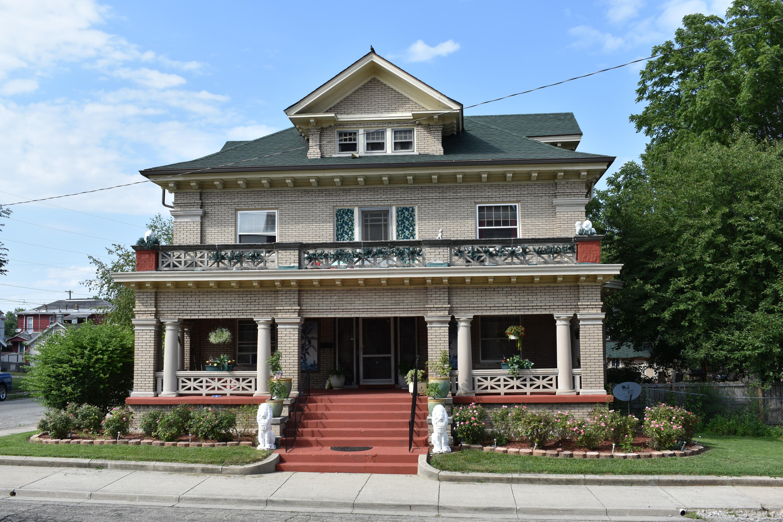 802 E Kenton Street Property Photo