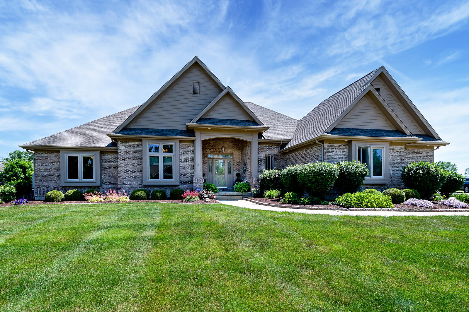 1580 Wedgewood Drive Property Photo 1