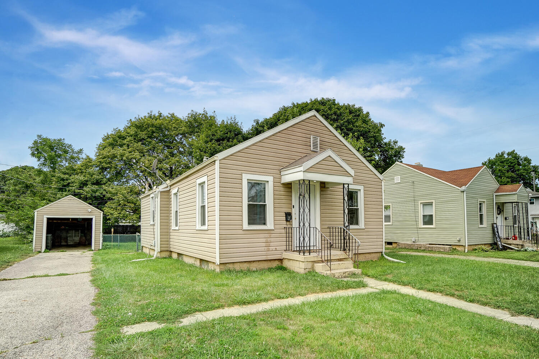 231 N Douglas Avenue Property Photo 3