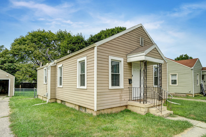 231 N Douglas Avenue Property Photo 4