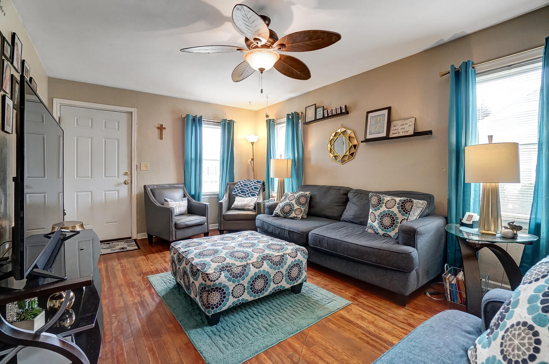 231 N Douglas Avenue Property Photo 6