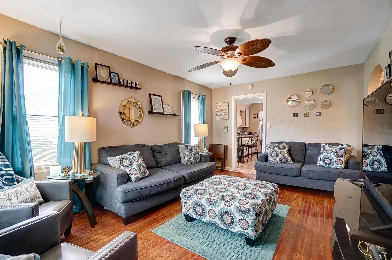 231 N Douglas Avenue Property Photo 7