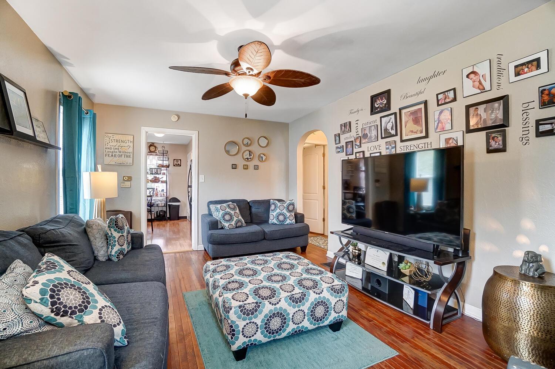231 N Douglas Avenue Property Photo 8