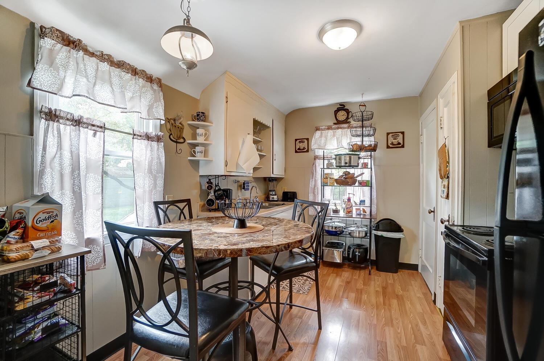 231 N Douglas Avenue Property Photo 9