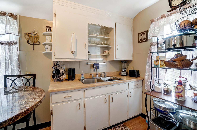 231 N Douglas Avenue Property Photo 10