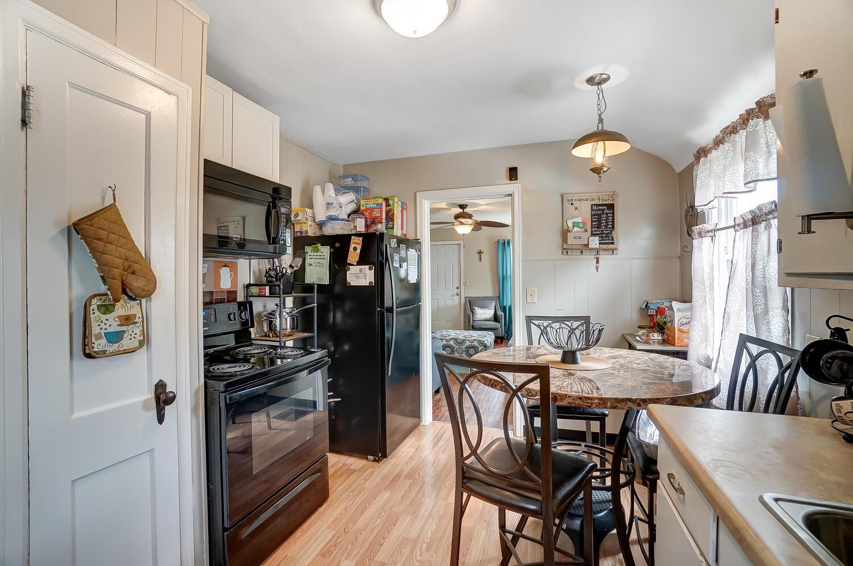 231 N Douglas Avenue Property Photo 13