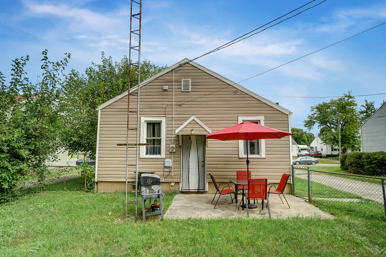 231 N Douglas Avenue Property Photo 22