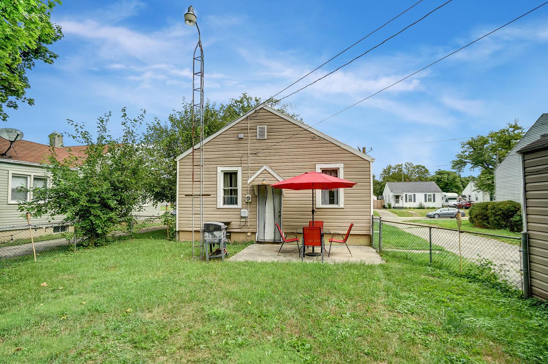 231 N Douglas Avenue Property Photo 23