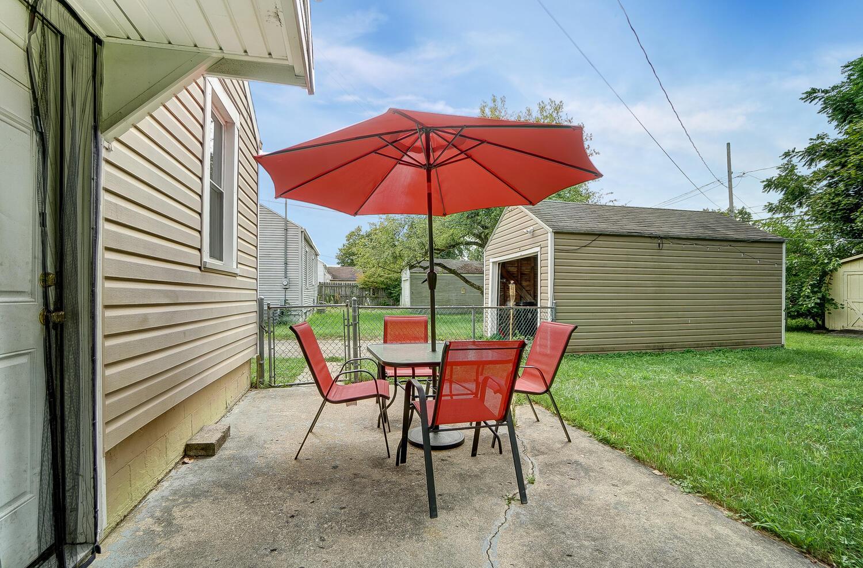 231 N Douglas Avenue Property Photo 27