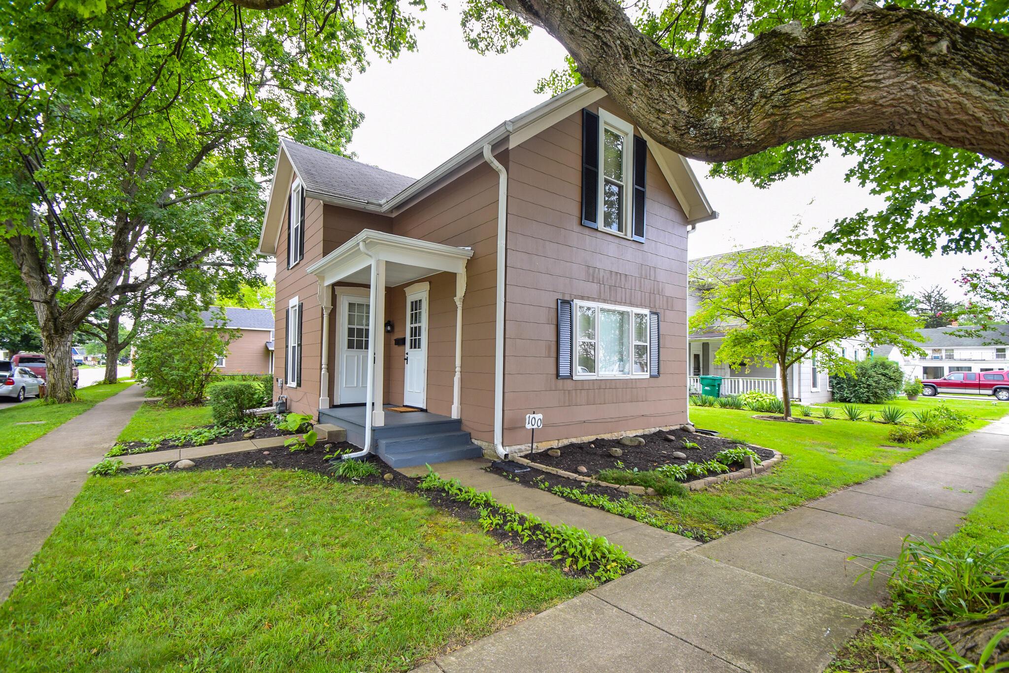 100 S Clay Street Property Photo 1