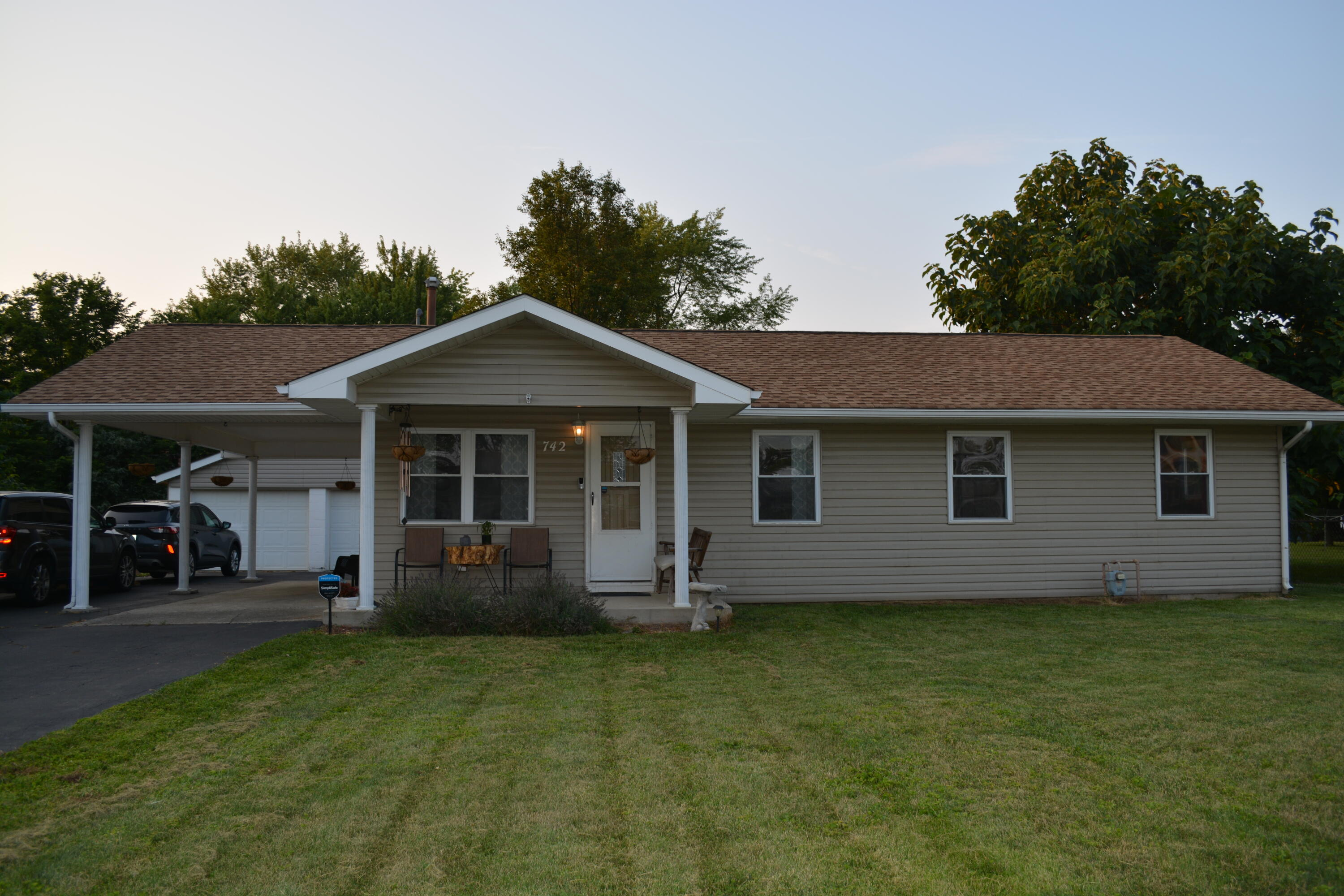 742 Rumsey Road Property Photo
