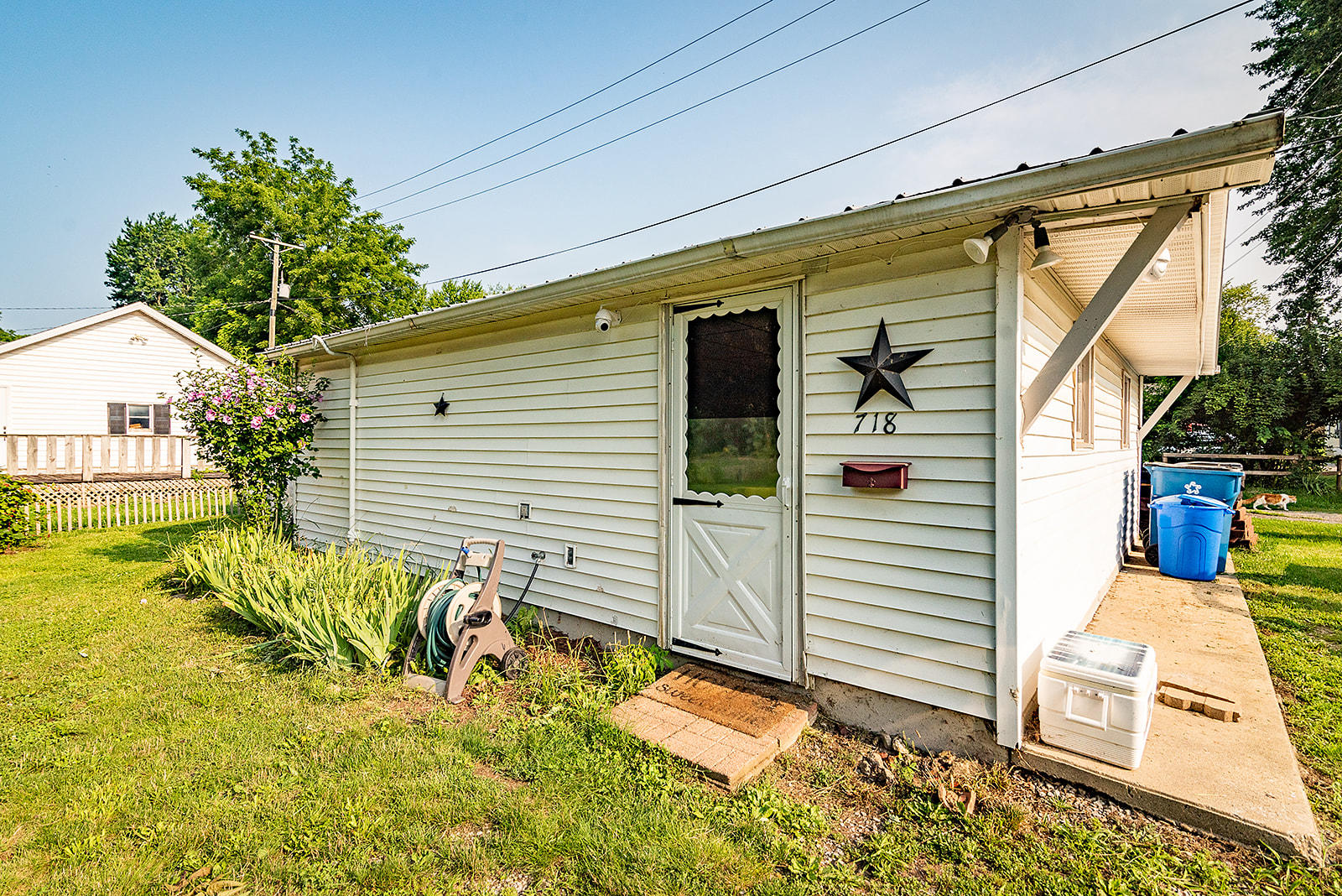 718 Leonard Street Property Photo