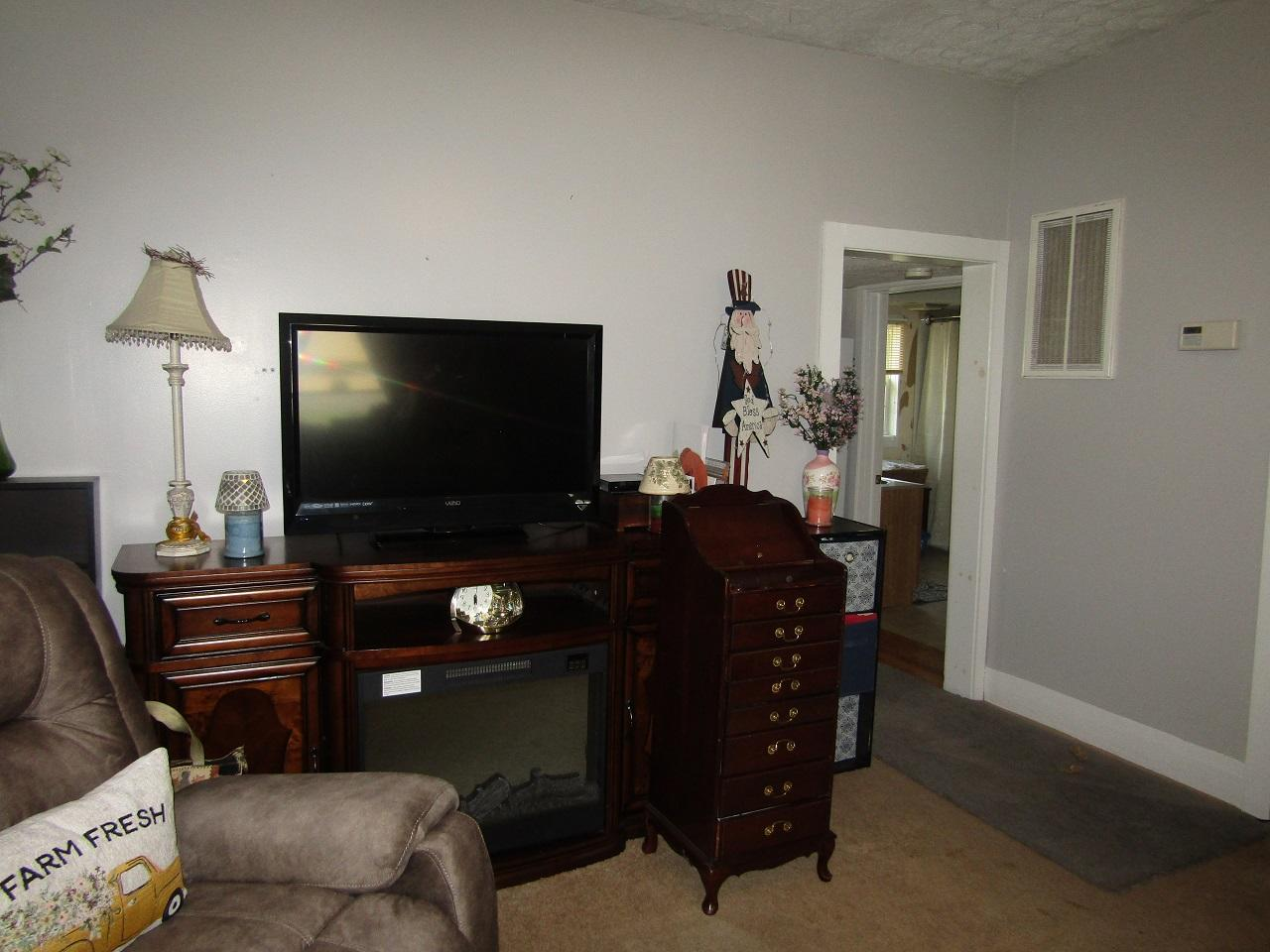 3133 Main Street Property Photo 10