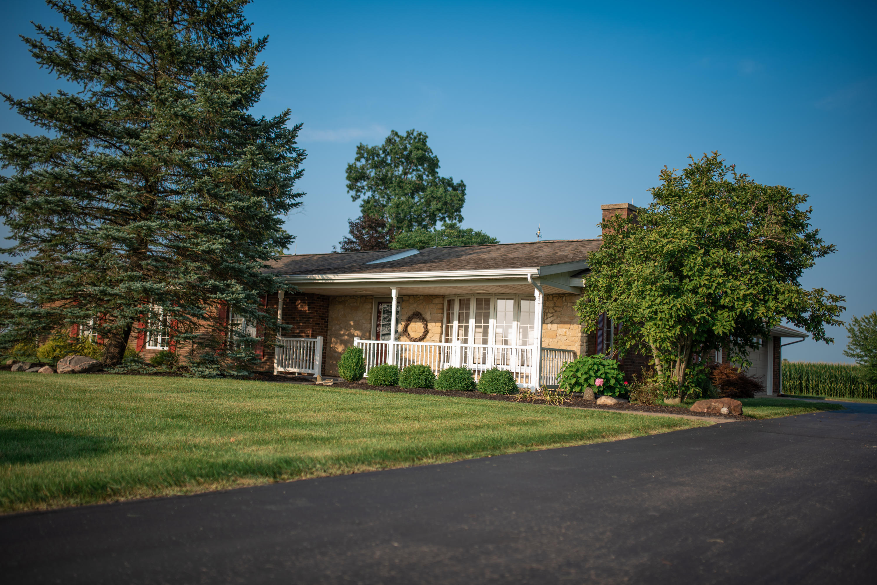 5271 Wallace Road Property Photo