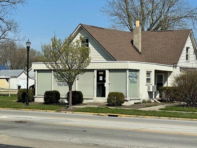 216 N Main Street Property Photo 1