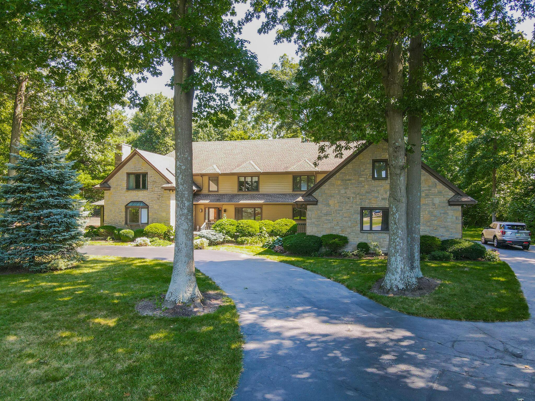2401 Worthington Drive Property Photo
