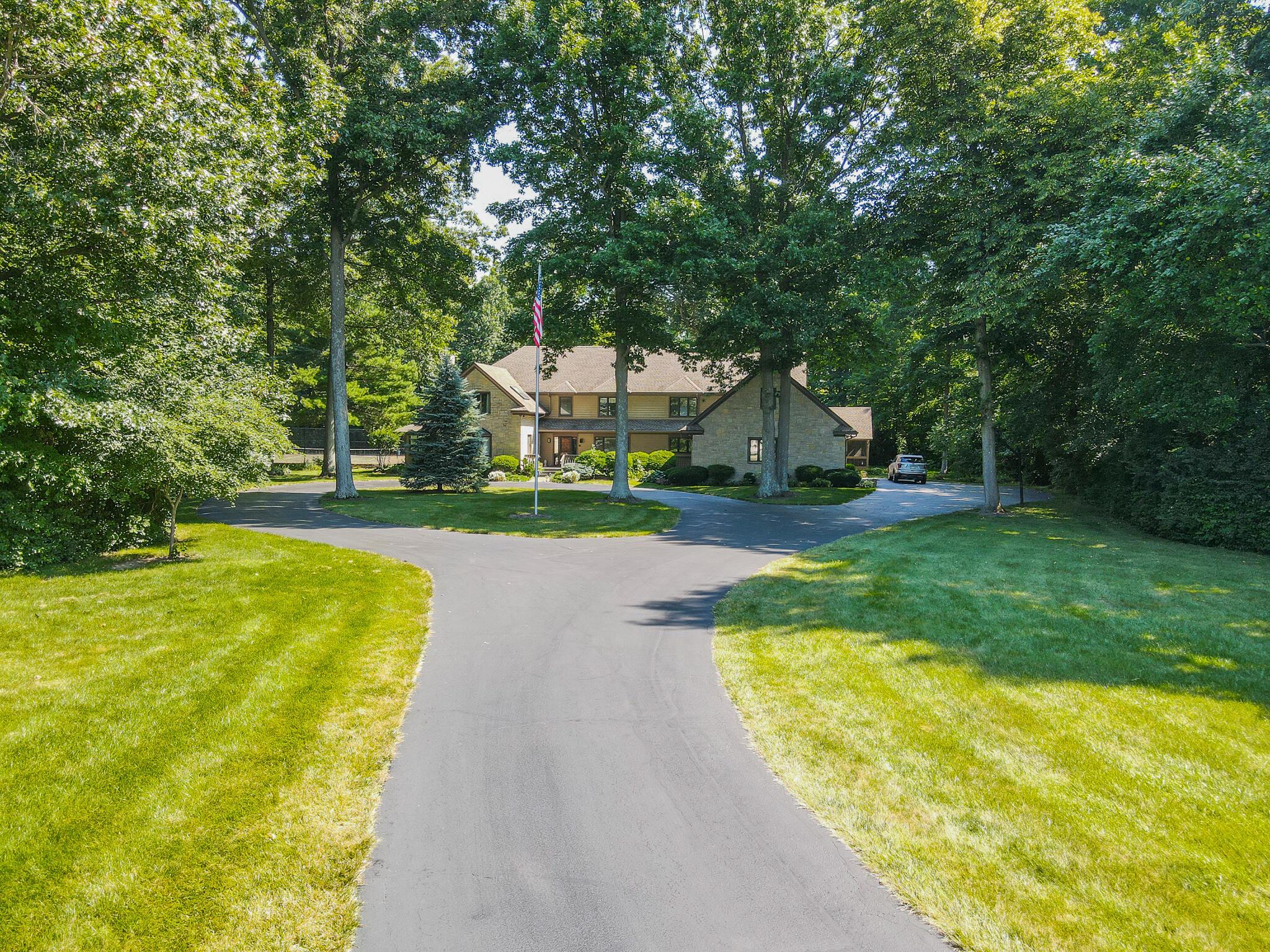 2401 Worthington Drive Property Photo 5