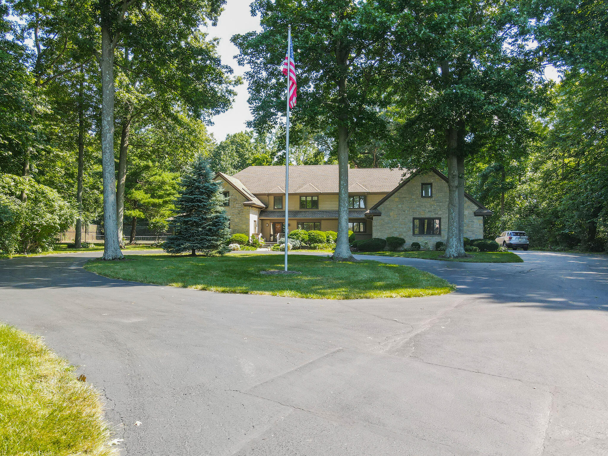 2401 Worthington Drive Property Photo 6
