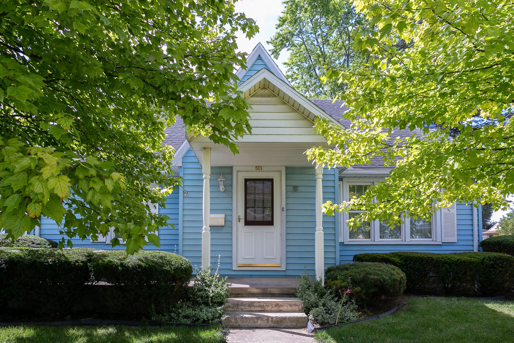 501 E Broadway Street Property Photo