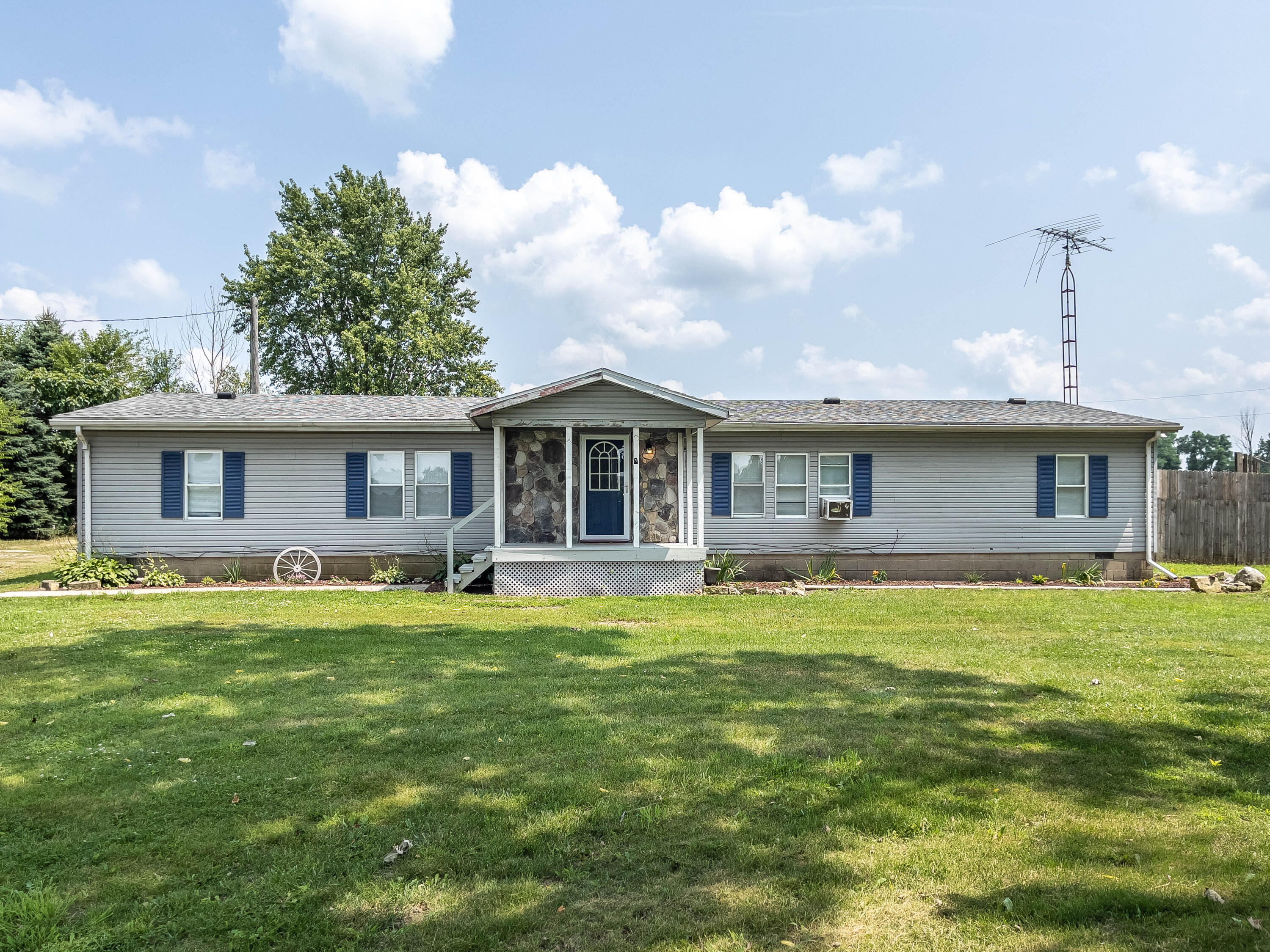 2869 River Road Property Photo