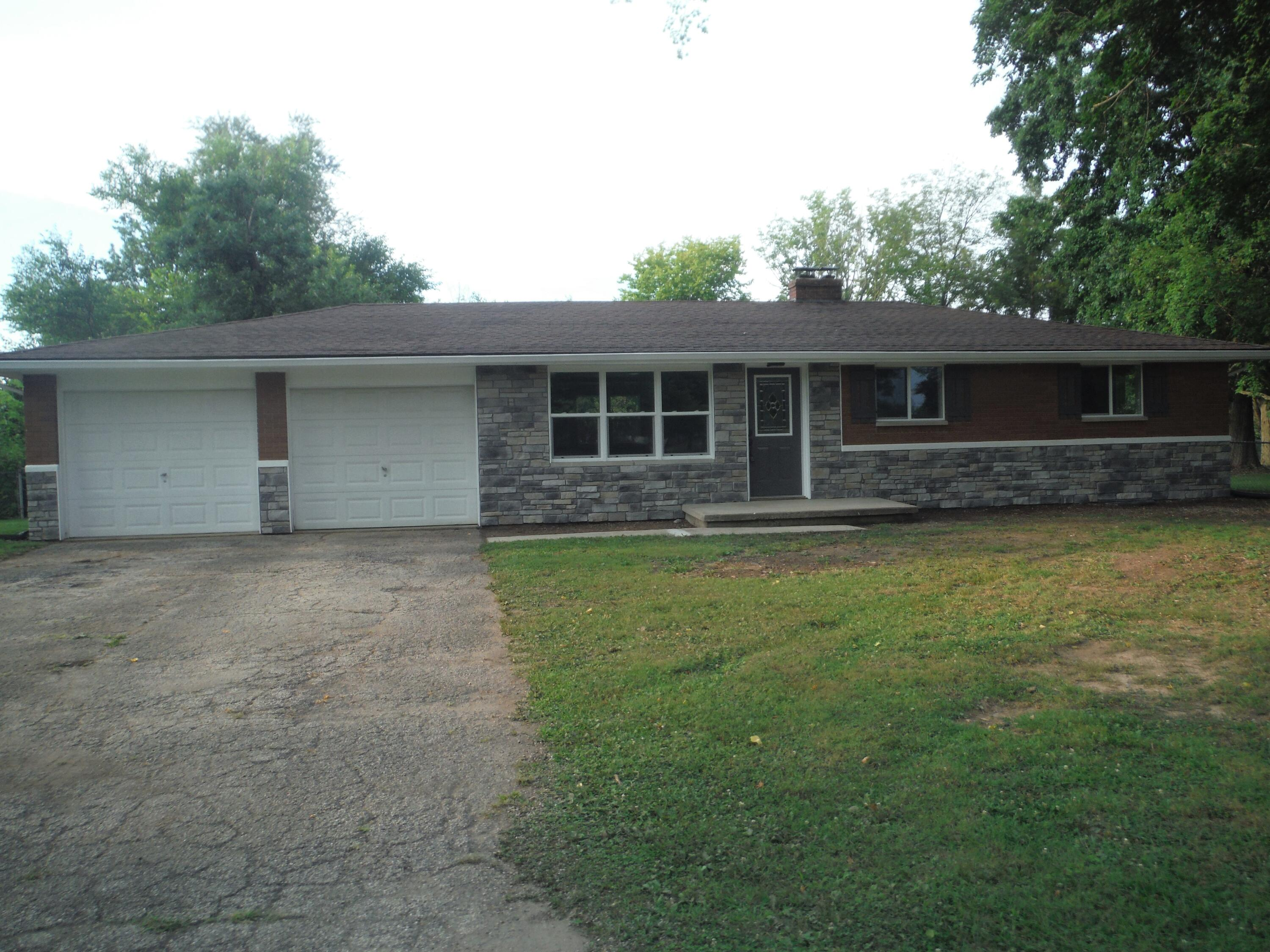 3738 Cloverdale Road Property Photo