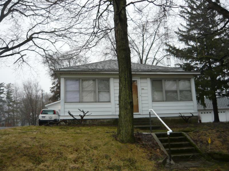 106 N Walker Street Property Photo