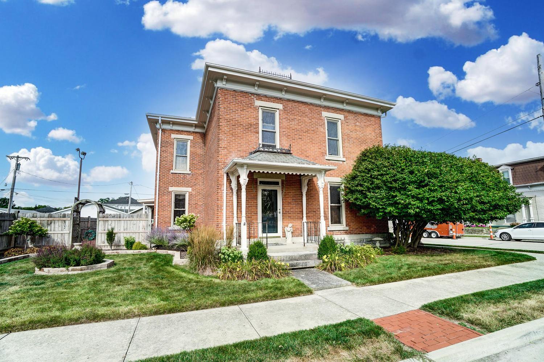23 E Walnut Street Property Photo