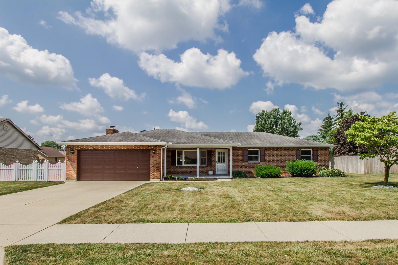 138 Willow Drive Property Photo 1