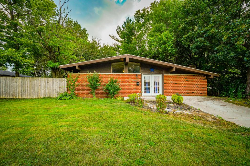 5272 Fredonia Avenue Property Photo 1