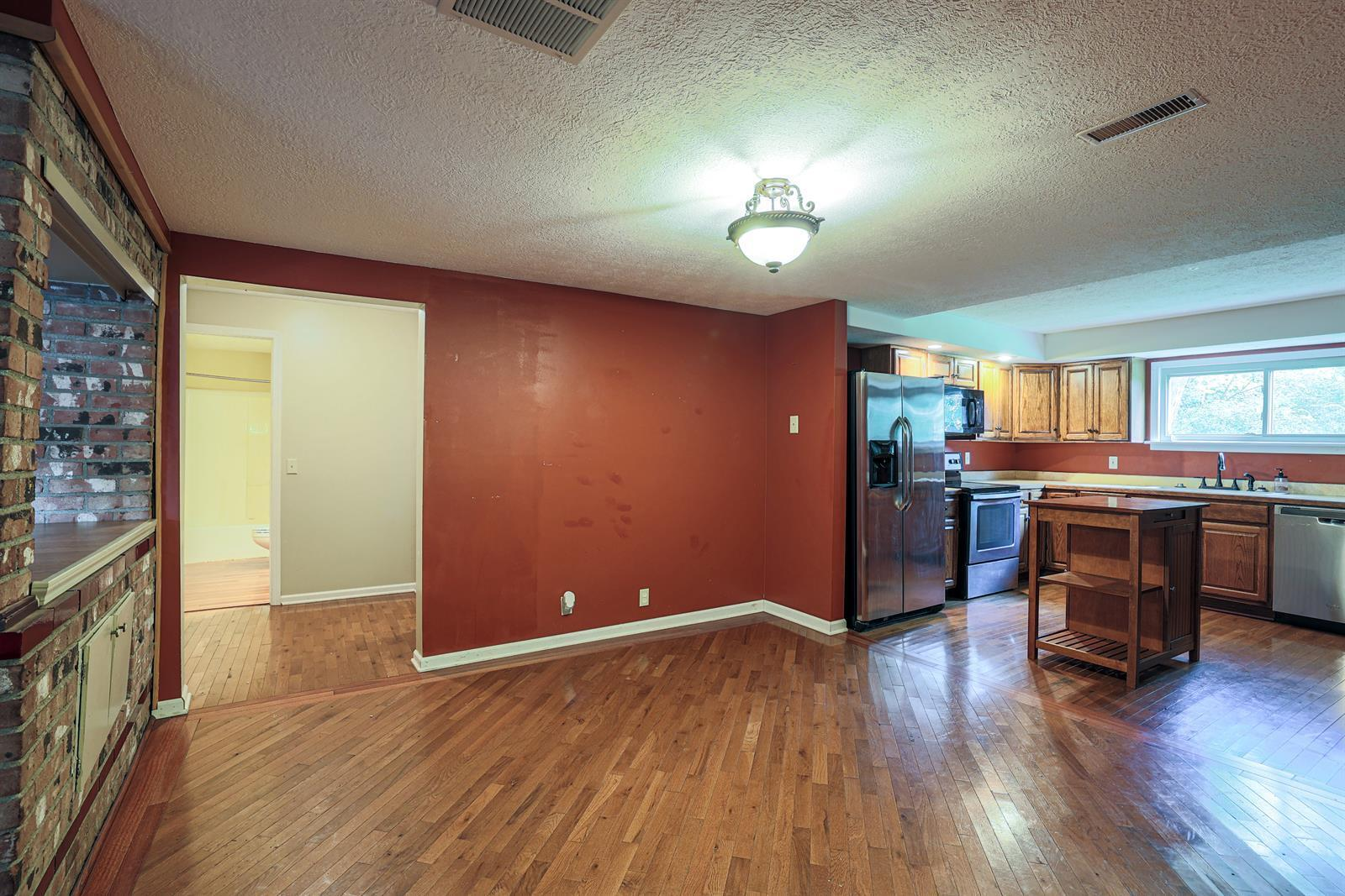 204 Sceva Avenue Property Photo 8