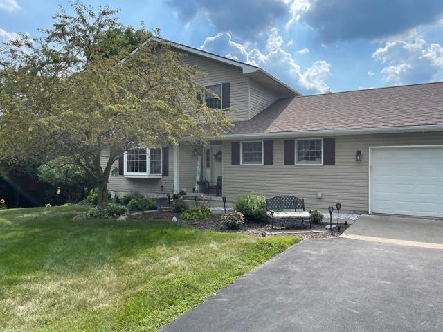 1612 Echo Lake Drive Property Photo 1