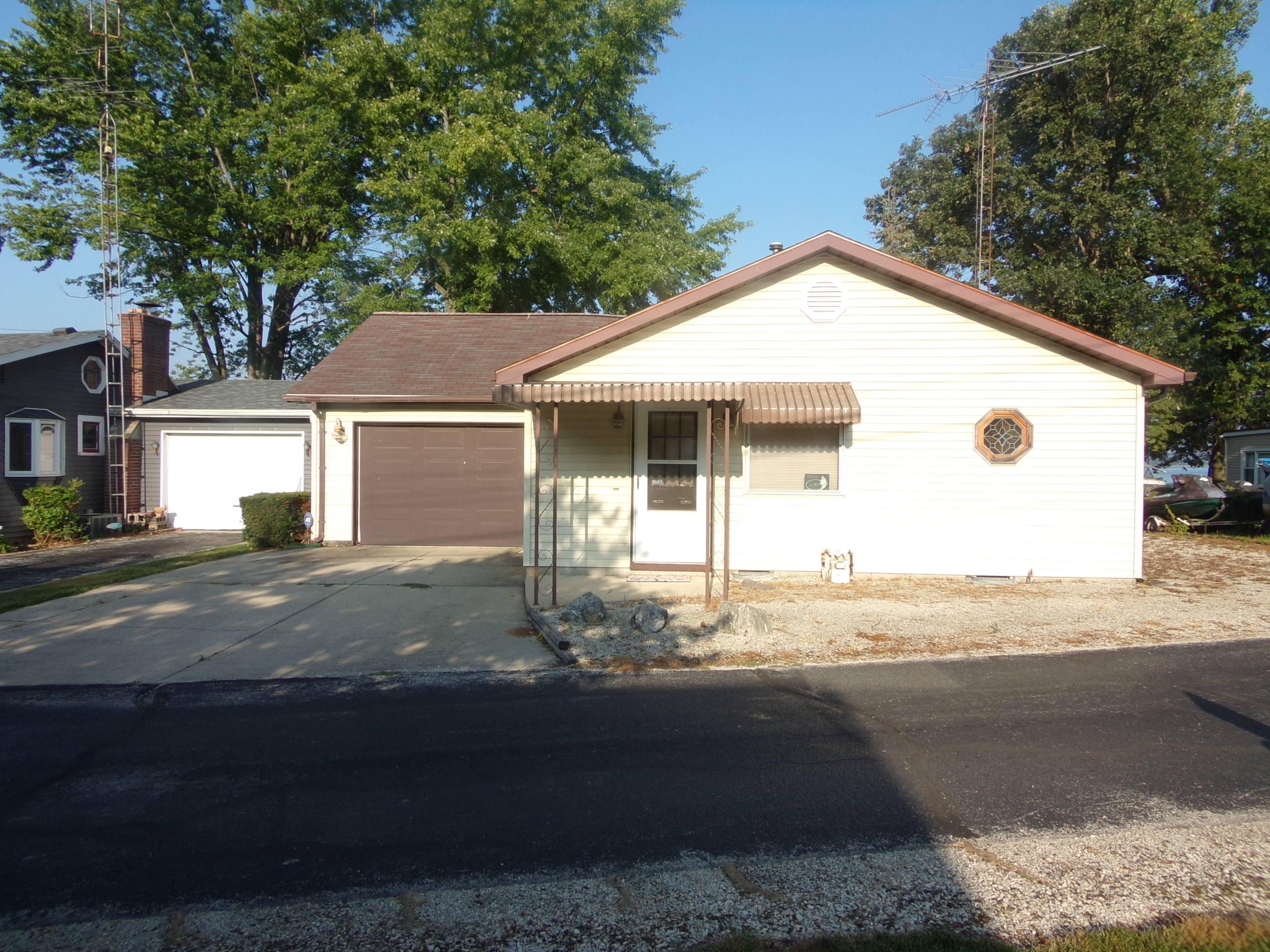 5319 N Shore Drive Property Photo