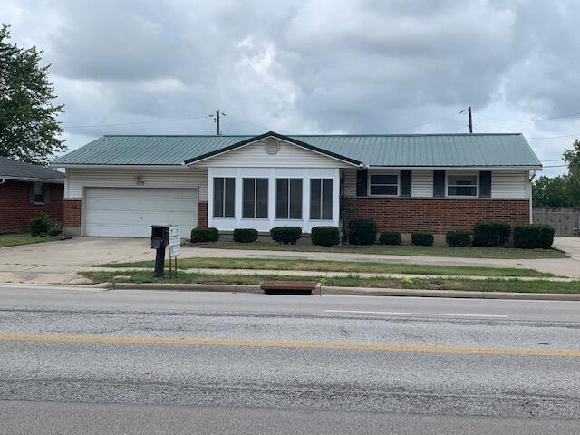 125 S Vandemark Road Property Photo 1
