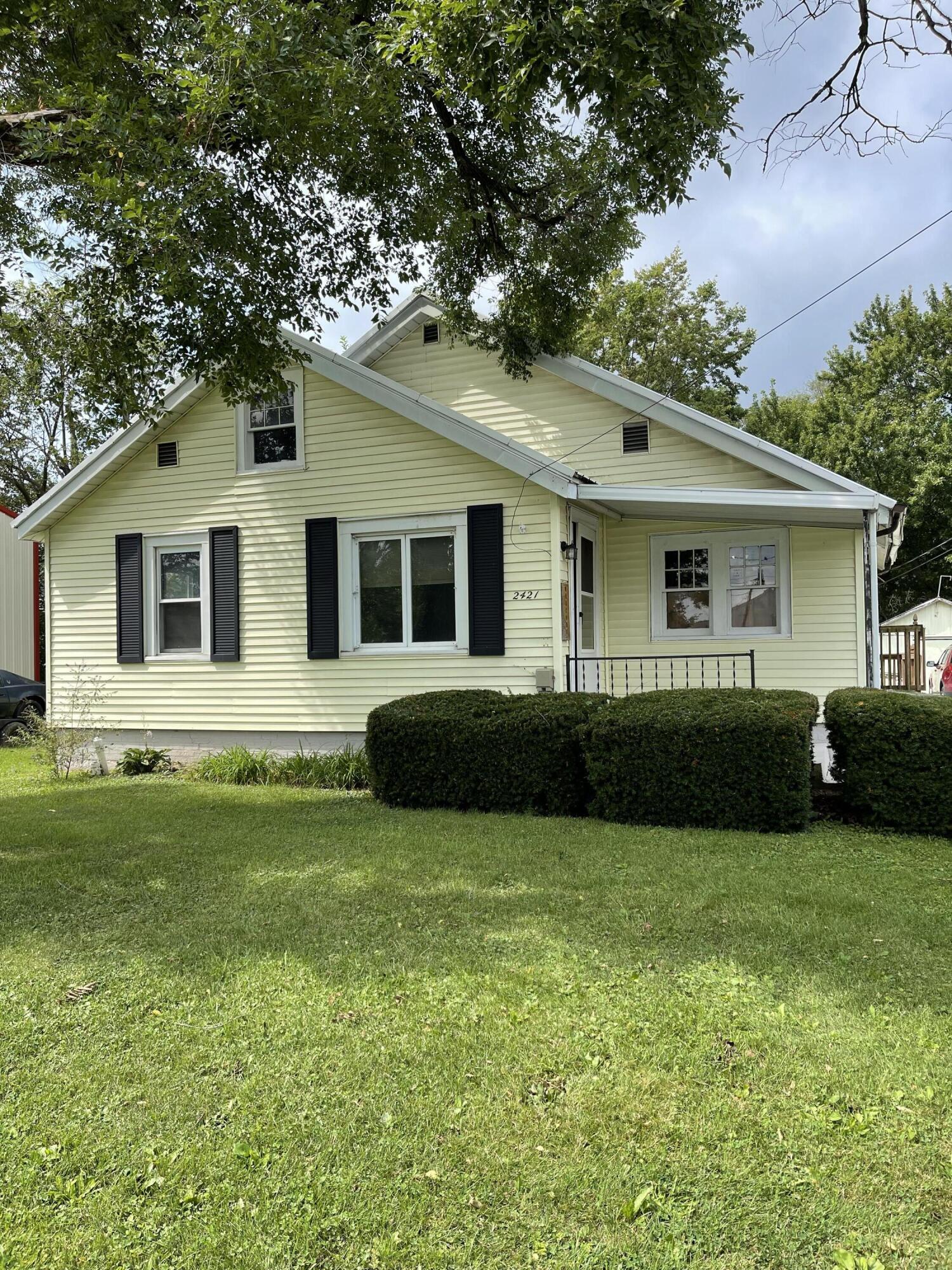 2421 N Mcdonel Street Property Photo 2