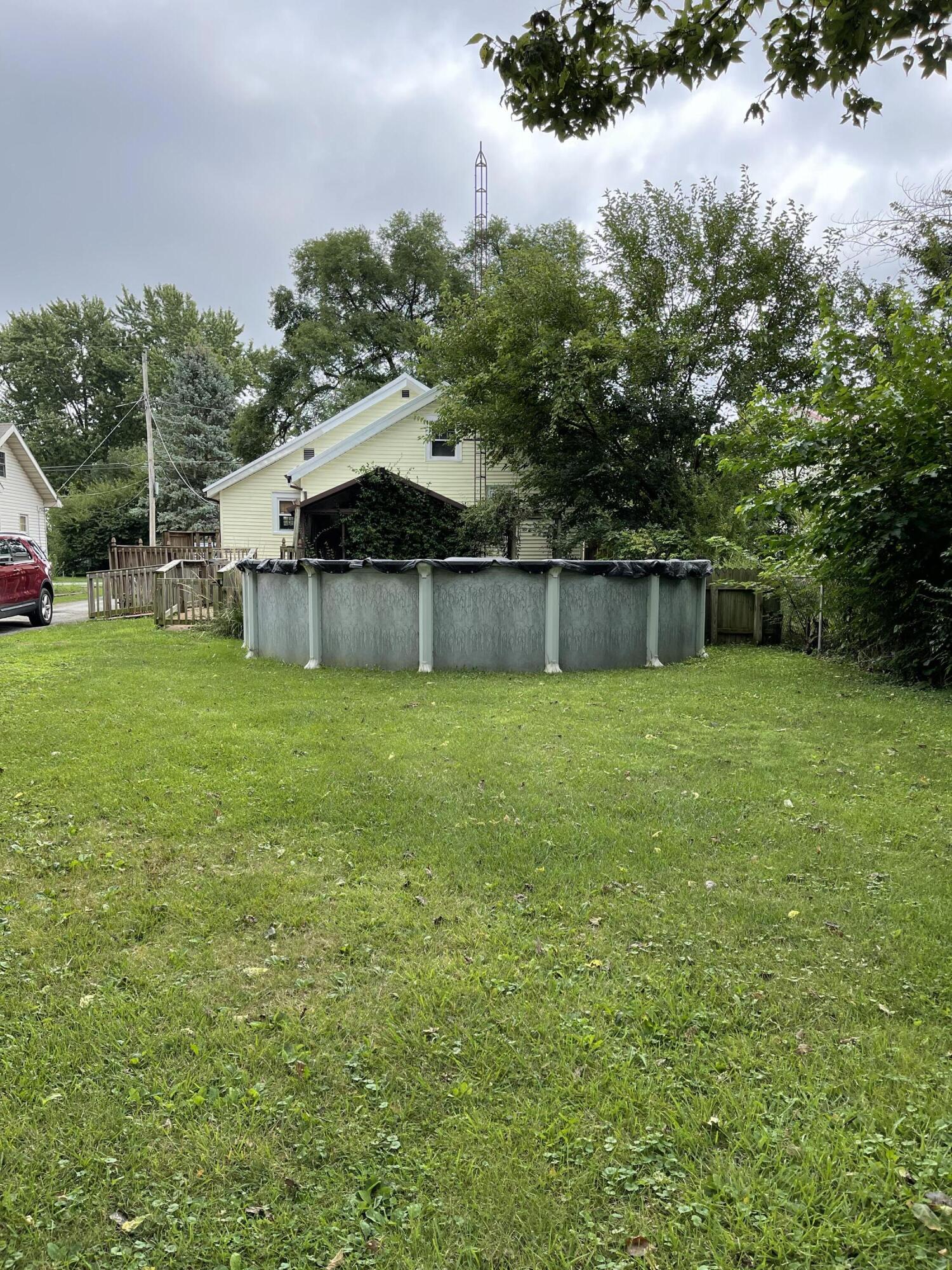 2421 N Mcdonel Street Property Photo 3