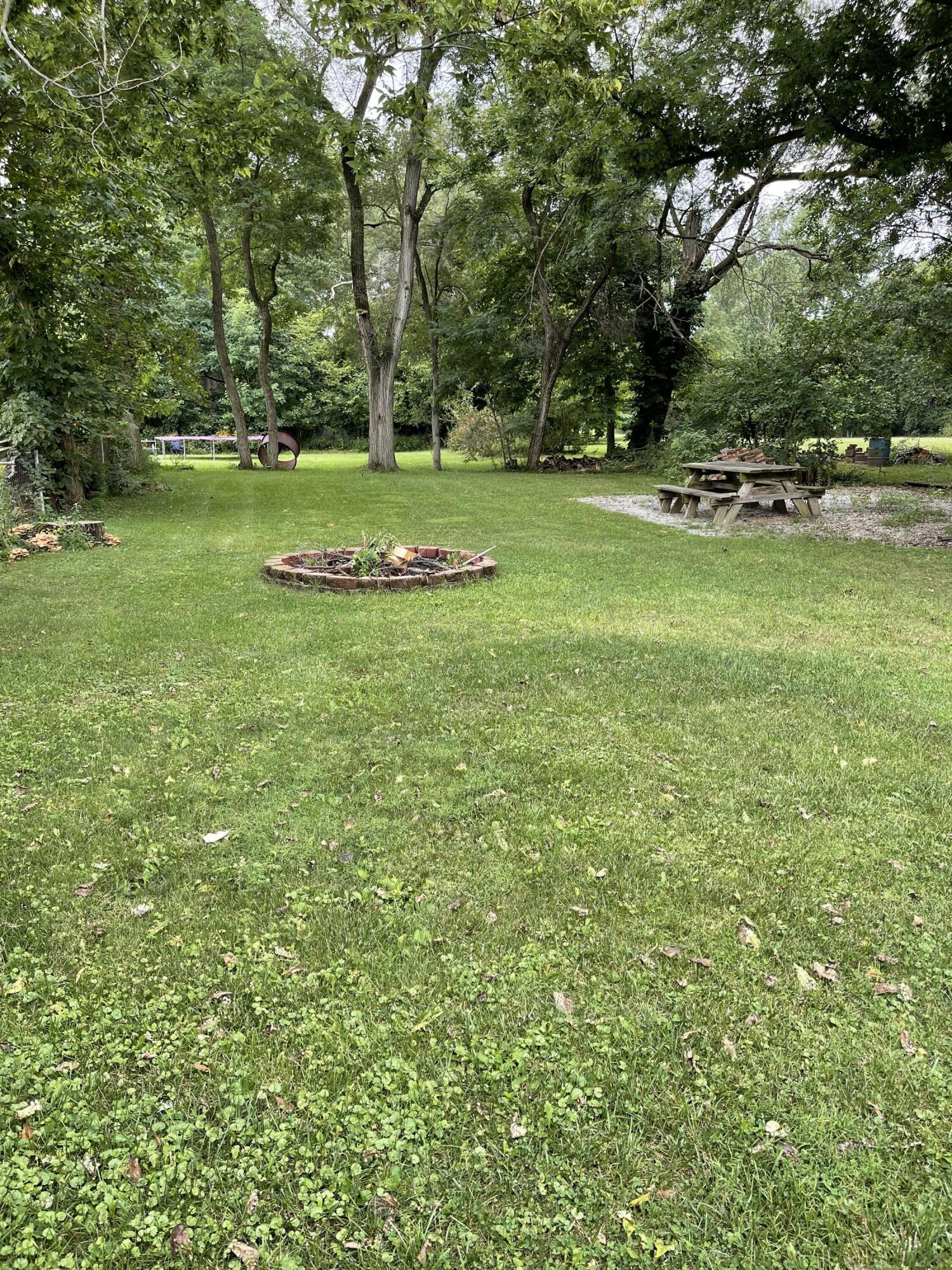 2421 N Mcdonel Street Property Photo 4