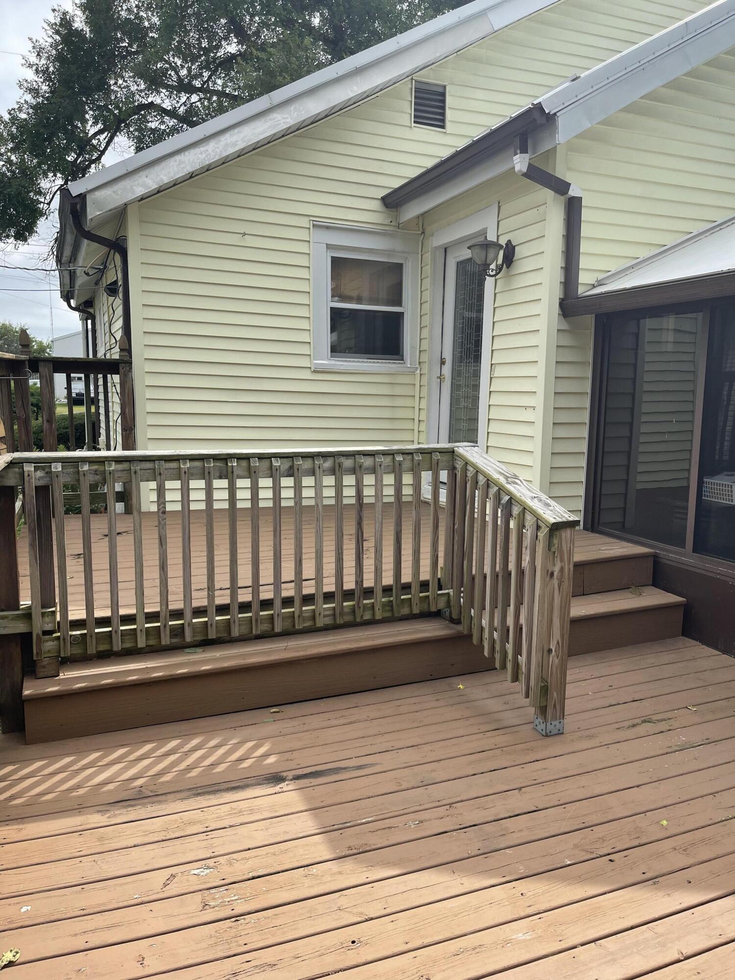 2421 N Mcdonel Street Property Photo 10