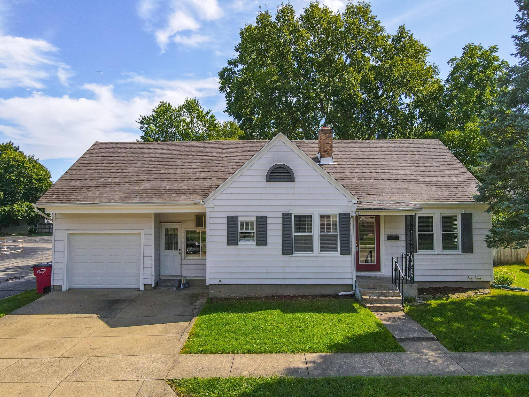 11 W Market Property Photo