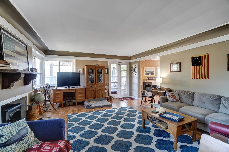 137 Trenton Place Property Photo 5