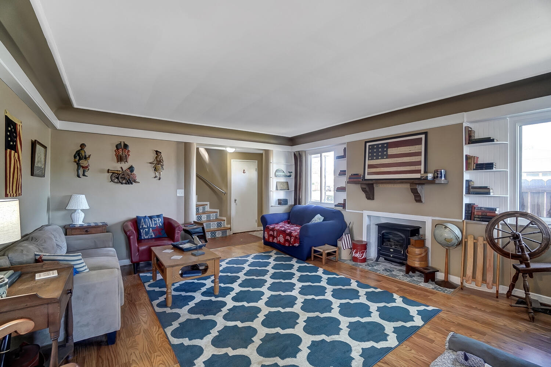137 Trenton Place Property Photo 6