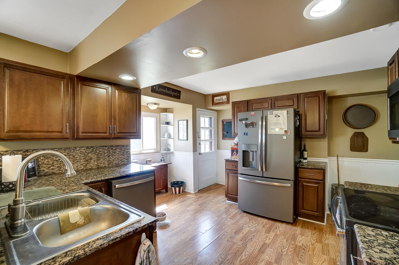 137 Trenton Place Property Photo 9