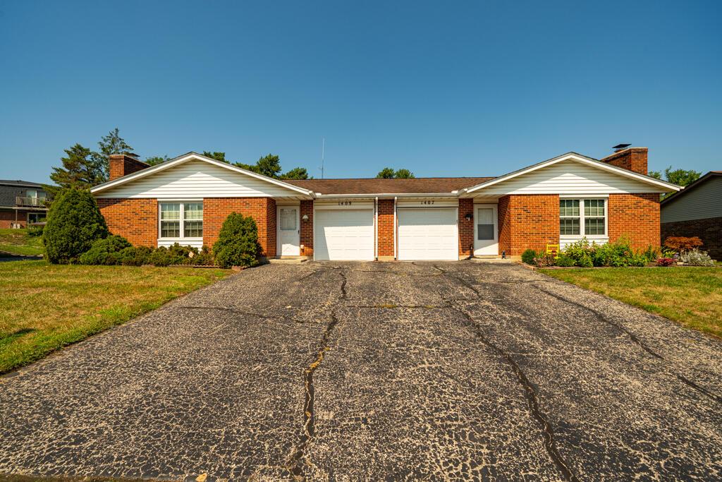 1407-1409 Minstrel Drive Property Photo 1