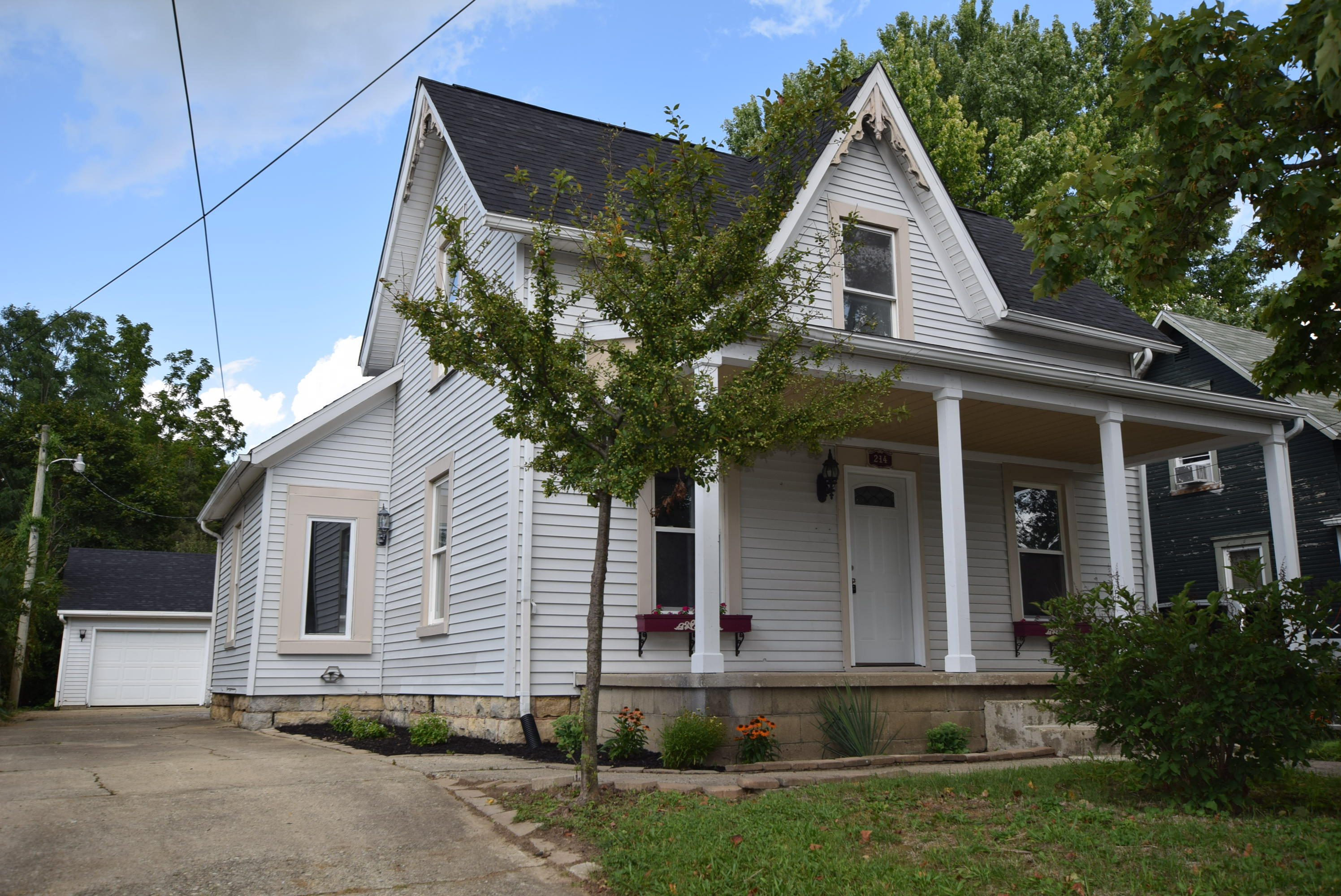 214 Henry Street Property Photo 1